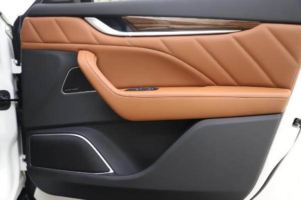 New 2020 Maserati Levante Q4 GranLusso for sale $74,480 at Pagani of Greenwich in Greenwich CT 06830 26