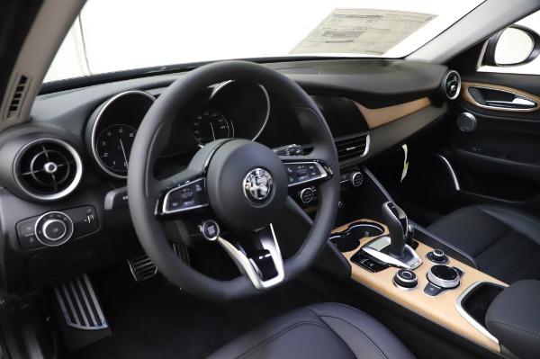 New 2020 Alfa Romeo Giulia Ti Lusso Q4 for sale $46,195 at Pagani of Greenwich in Greenwich CT 06830 17