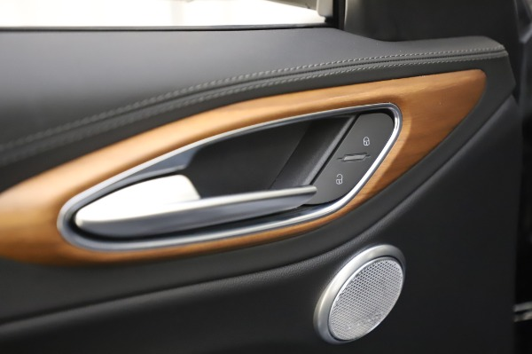 New 2020 Alfa Romeo Giulia Ti Lusso Q4 for sale $46,195 at Pagani of Greenwich in Greenwich CT 06830 20