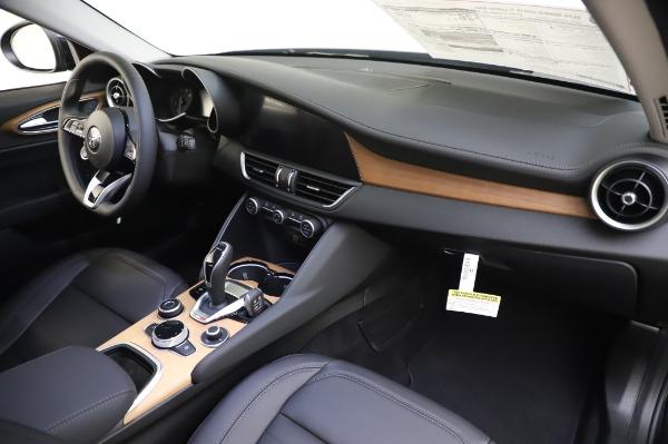 New 2020 Alfa Romeo Giulia Ti Lusso Q4 for sale $46,195 at Pagani of Greenwich in Greenwich CT 06830 27