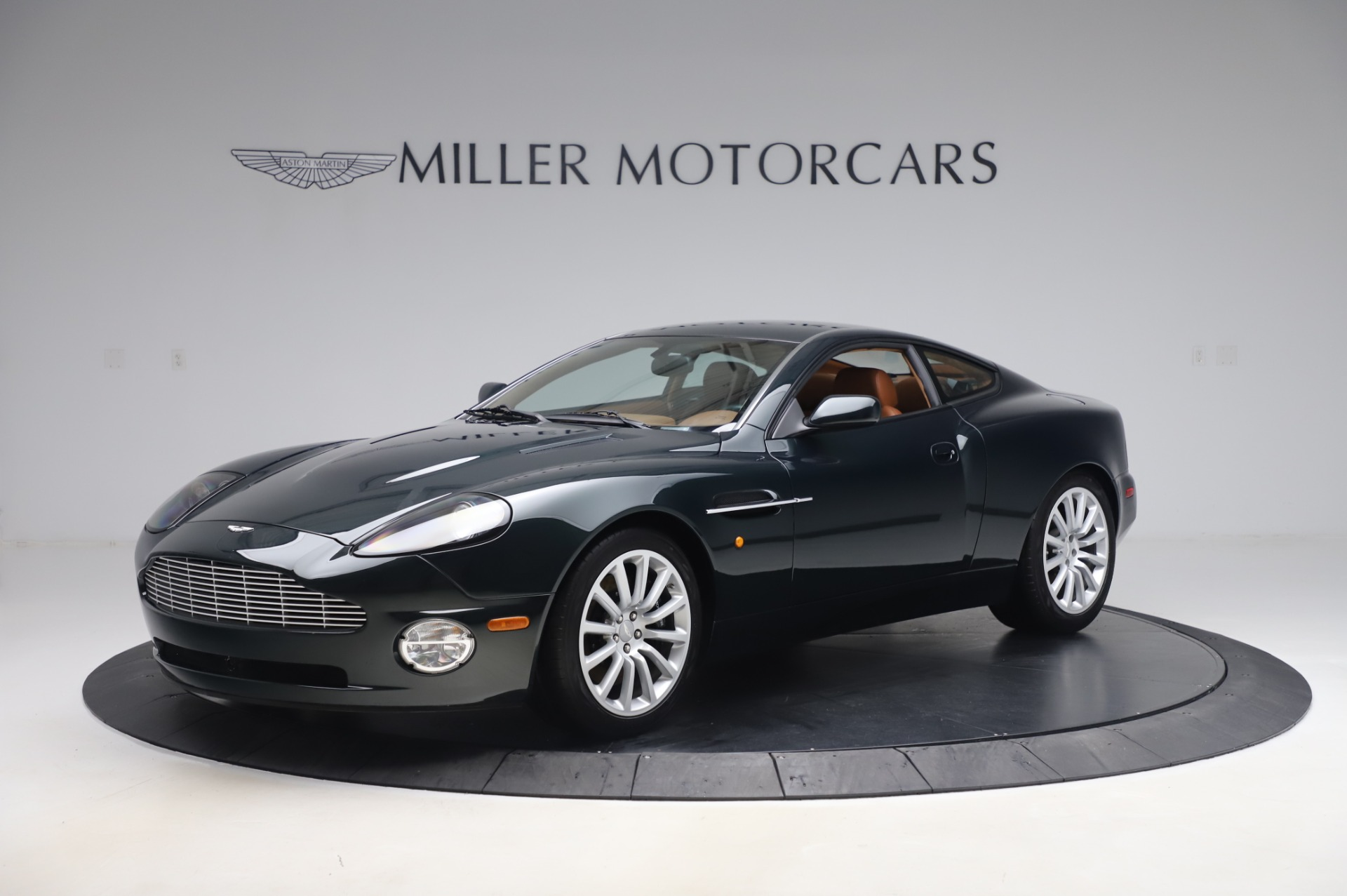 Used 2003 Aston Martin V12 Vanquish Coupe for sale $79,900 at Pagani of Greenwich in Greenwich CT 06830 1