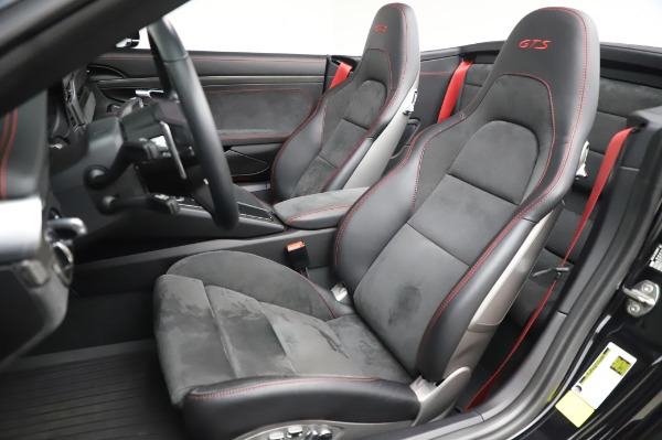 Used 2018 Porsche 911 Carrera 4 GTS for sale $137,900 at Pagani of Greenwich in Greenwich CT 06830 15