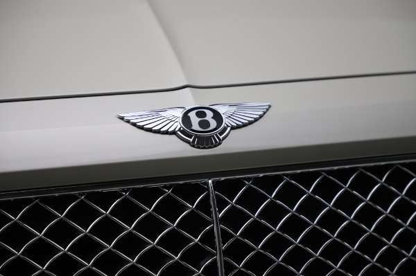 Used 2018 Bentley Bentayga Onyx Edition for sale Call for price at Pagani of Greenwich in Greenwich CT 06830 14
