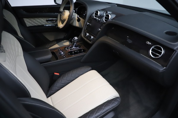 Used 2020 Bentley Bentayga V8 for sale $189,900 at Pagani of Greenwich in Greenwich CT 06830 27