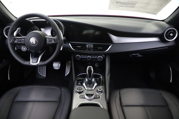 New 2020 Alfa Romeo Giulia Sport Q4 for sale $48,895 at Pagani of Greenwich in Greenwich CT 06830 19