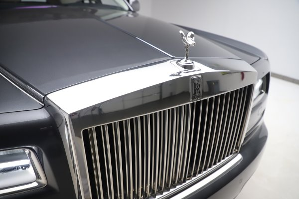Used 2014 Rolls-Royce Phantom for sale $219,900 at Pagani of Greenwich in Greenwich CT 06830 15