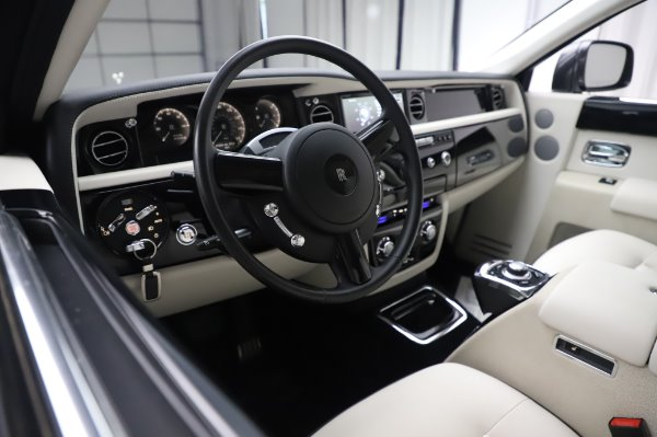 Used 2014 Rolls-Royce Phantom for sale $219,900 at Pagani of Greenwich in Greenwich CT 06830 18