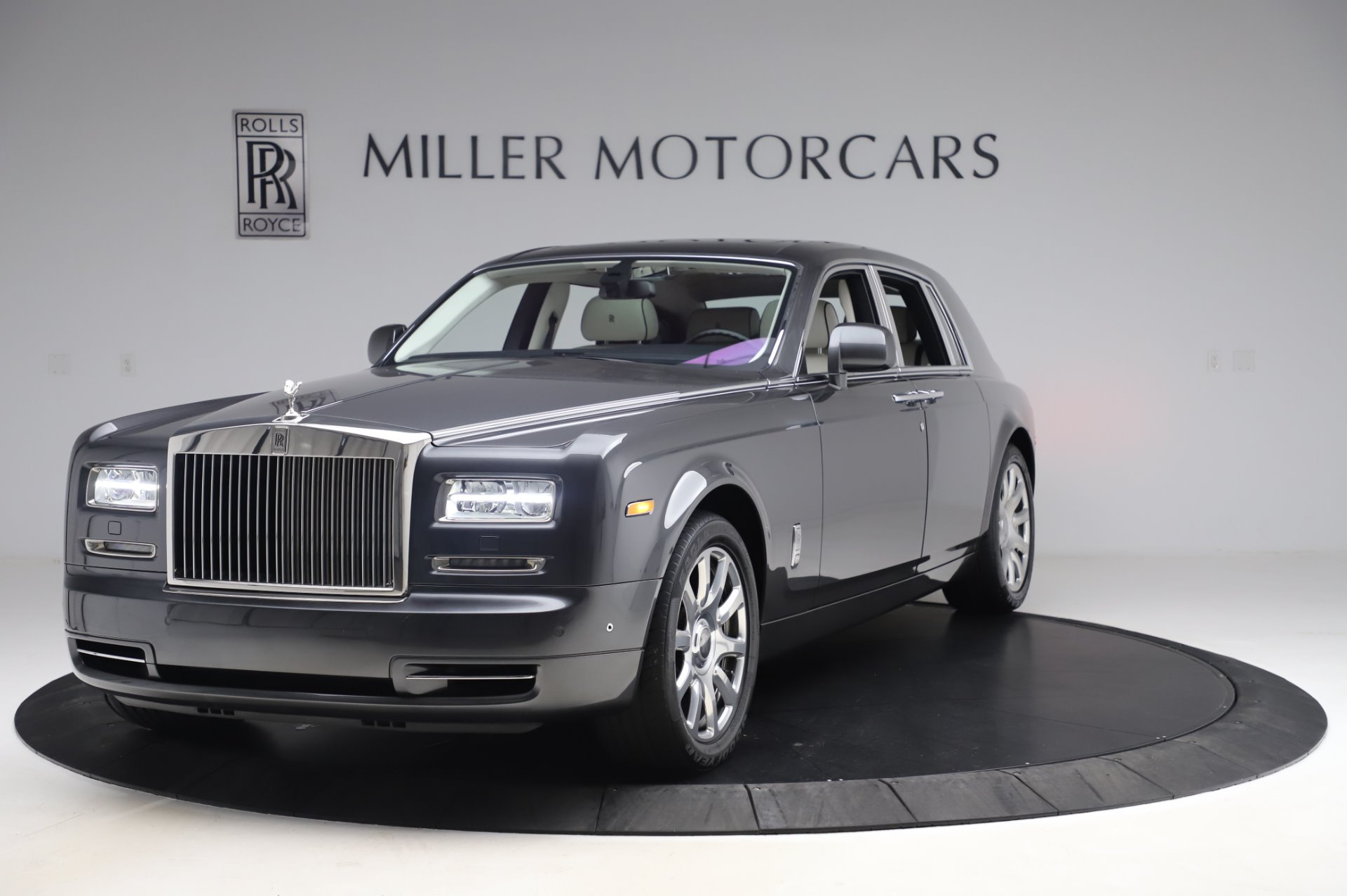 Used 2014 Rolls-Royce Phantom for sale $219,900 at Pagani of Greenwich in Greenwich CT 06830 1