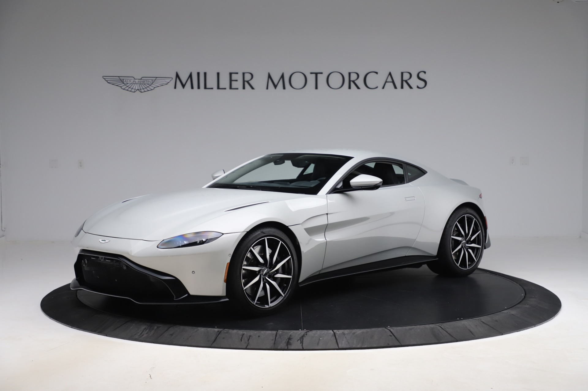 Used 2020 Aston Martin Vantage Coupe for sale $149,800 at Pagani of Greenwich in Greenwich CT 06830 1