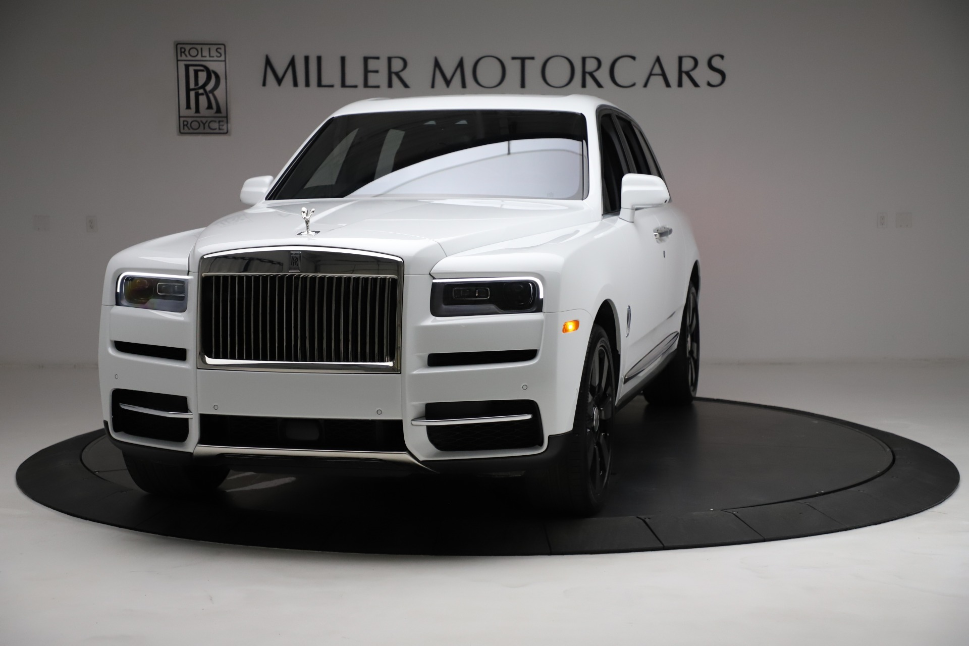 New 2021 Rolls-Royce Cullinan Base for sale $378,525 at Pagani of Greenwich in Greenwich CT 06830 1