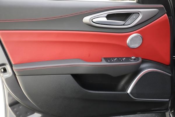 New 2020 Alfa Romeo Giulia Ti Sport Q4 for sale $48,595 at Pagani of Greenwich in Greenwich CT 06830 17