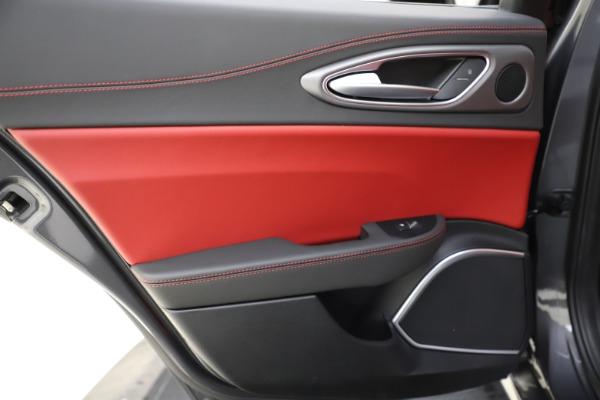 New 2020 Alfa Romeo Giulia Ti Sport Q4 for sale $48,595 at Pagani of Greenwich in Greenwich CT 06830 21