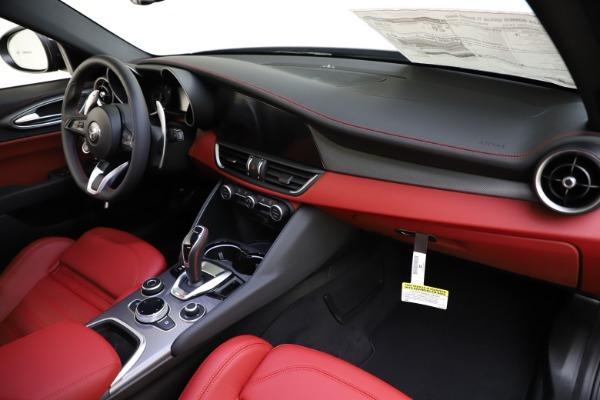 New 2020 Alfa Romeo Giulia Ti Sport Q4 for sale $48,595 at Pagani of Greenwich in Greenwich CT 06830 24
