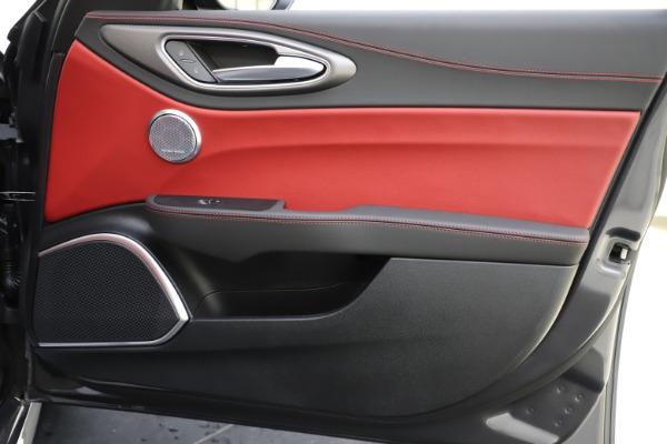 New 2020 Alfa Romeo Giulia Ti Sport Q4 for sale $48,595 at Pagani of Greenwich in Greenwich CT 06830 25