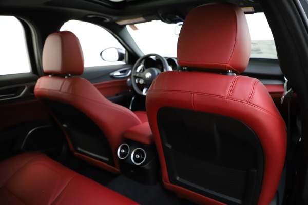 New 2020 Alfa Romeo Giulia Ti Sport Q4 for sale $48,595 at Pagani of Greenwich in Greenwich CT 06830 28