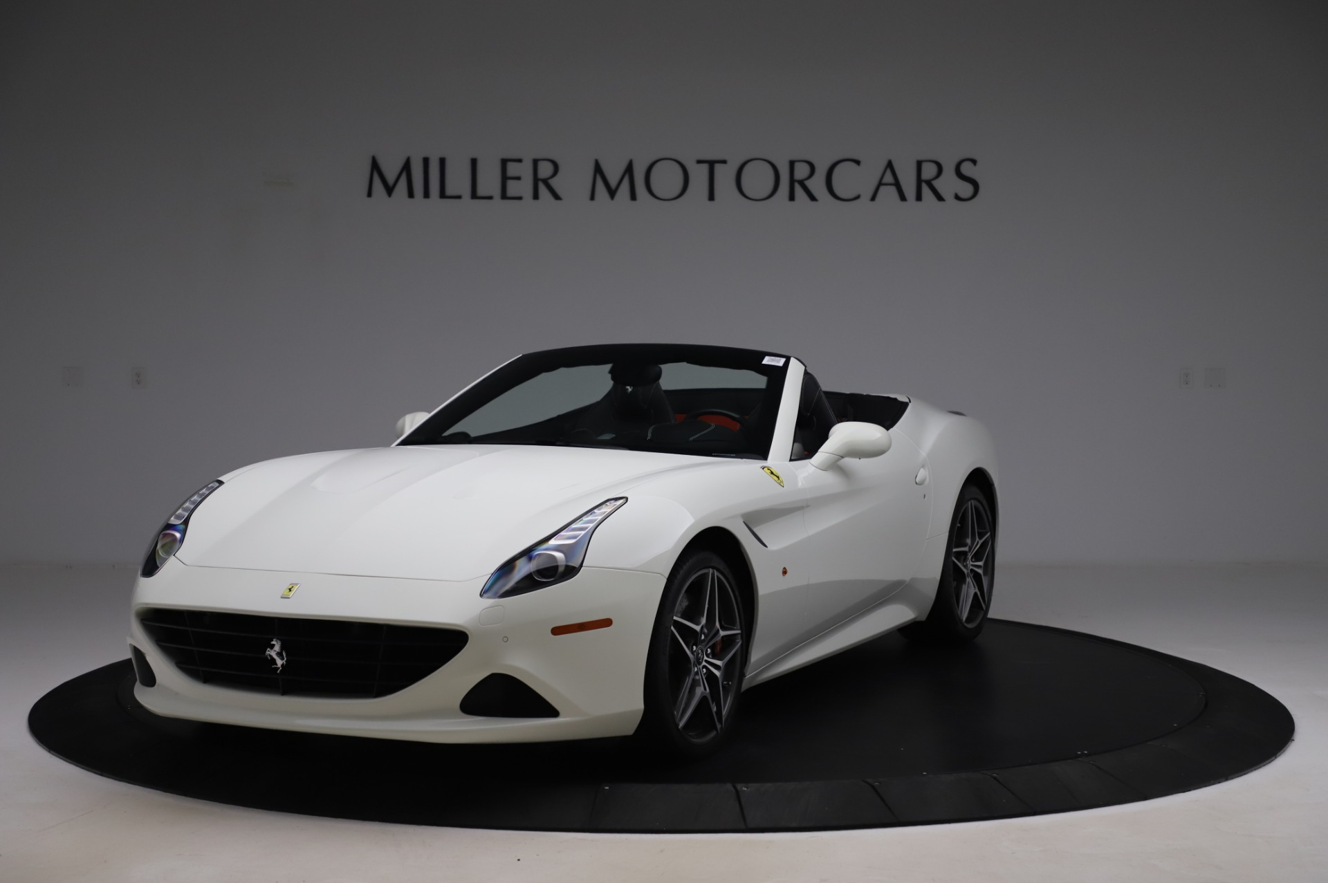 Used 2015 Ferrari California T for sale $159,900 at Pagani of Greenwich in Greenwich CT 06830 1