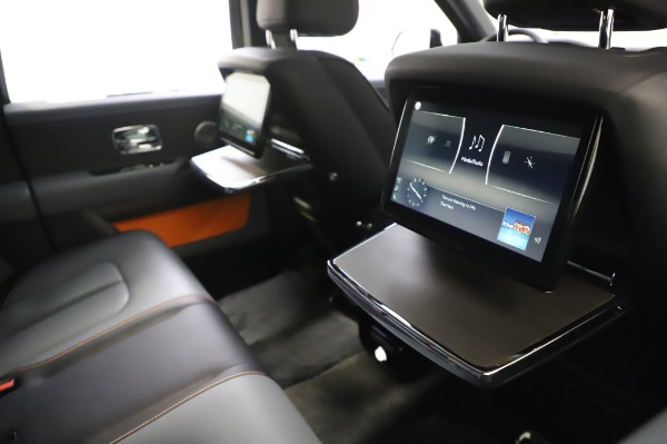 Used 2019 Rolls-Royce Cullinan Base for sale $349,900 at Pagani of Greenwich in Greenwich CT 06830 17