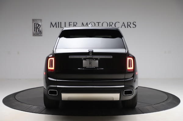 Used 2019 Rolls-Royce Cullinan Base for sale $349,900 at Pagani of Greenwich in Greenwich CT 06830 5