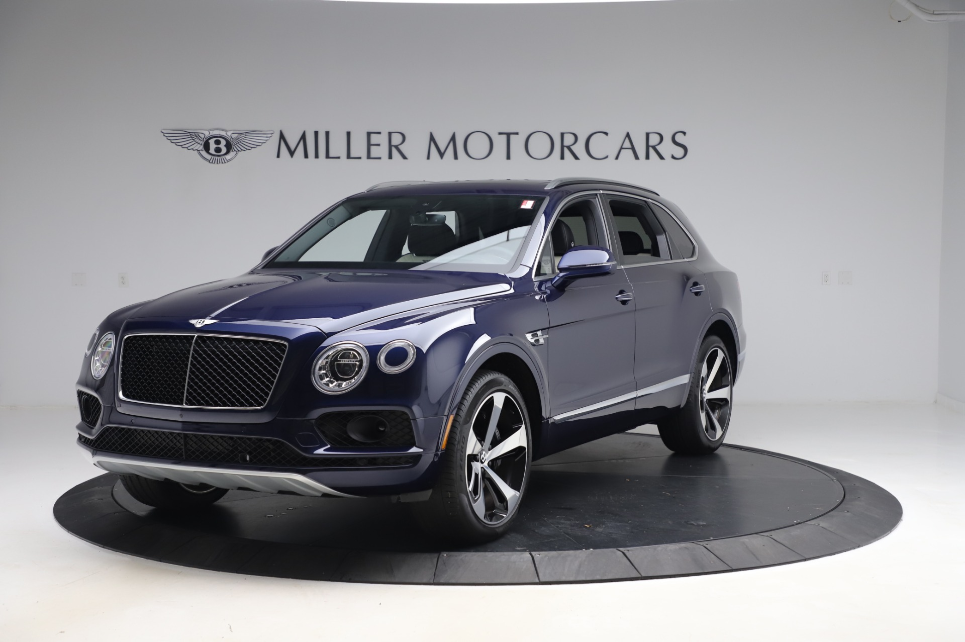 Used 2020 Bentley Bentayga V8 for sale $189,900 at Pagani of Greenwich in Greenwich CT 06830 1
