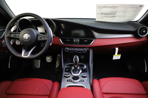 New 2020 Alfa Romeo Giulia Ti Sport Q4 for sale $51,495 at Pagani of Greenwich in Greenwich CT 06830 25