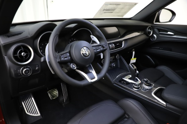 New 2020 Alfa Romeo Stelvio Ti Sport Carbon Q4 for sale $58,745 at Pagani of Greenwich in Greenwich CT 06830 13