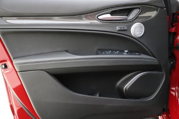 New 2020 Alfa Romeo Stelvio Ti Sport Carbon Q4 for sale $58,745 at Pagani of Greenwich in Greenwich CT 06830 17