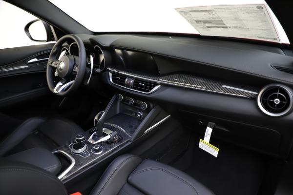 New 2020 Alfa Romeo Stelvio Ti Sport Carbon Q4 for sale $58,745 at Pagani of Greenwich in Greenwich CT 06830 24
