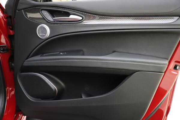 New 2020 Alfa Romeo Stelvio Ti Sport Carbon Q4 for sale $58,745 at Pagani of Greenwich in Greenwich CT 06830 25