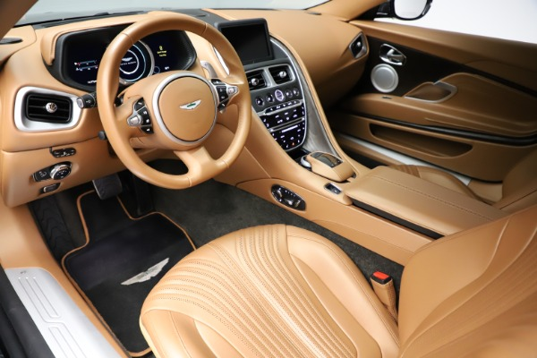Used 2017 Aston Martin DB11 for sale $149,900 at Pagani of Greenwich in Greenwich CT 06830 13