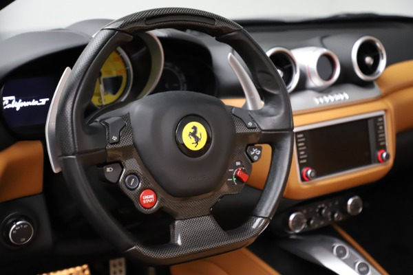 Used 2016 Ferrari California T for sale Sold at Pagani of Greenwich in Greenwich CT 06830 19