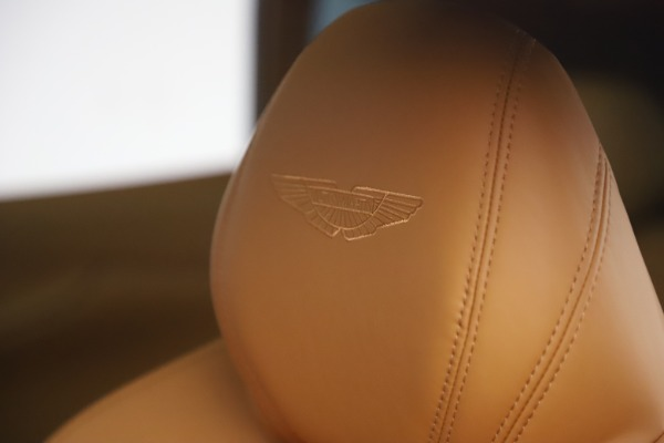 New 2021 Aston Martin DBX for sale $212,886 at Pagani of Greenwich in Greenwich CT 06830 23