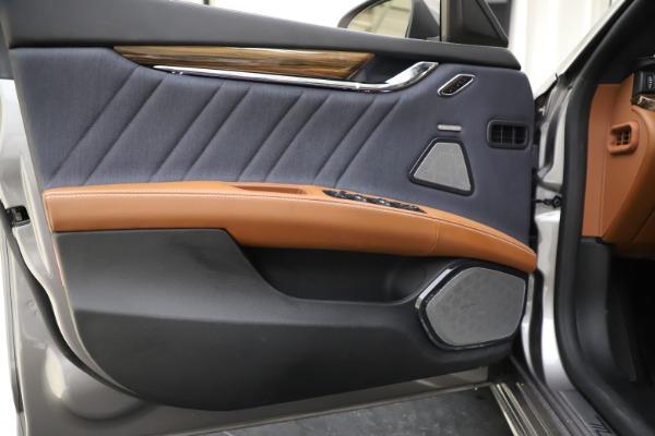 Used 2017 Maserati Quattroporte S Q4 GranLusso for sale Sold at Pagani of Greenwich in Greenwich CT 06830 17