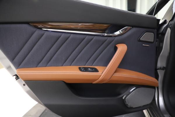 Used 2017 Maserati Quattroporte S Q4 GranLusso for sale $59,900 at Pagani of Greenwich in Greenwich CT 06830 21