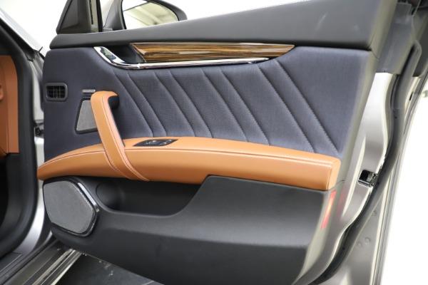 Used 2017 Maserati Quattroporte S Q4 GranLusso for sale Sold at Pagani of Greenwich in Greenwich CT 06830 25