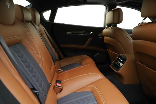 Used 2017 Maserati Quattroporte S Q4 GranLusso for sale $59,900 at Pagani of Greenwich in Greenwich CT 06830 27