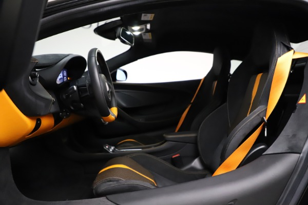 Used 2019 McLaren 570S for sale $177,900 at Pagani of Greenwich in Greenwich CT 06830 17