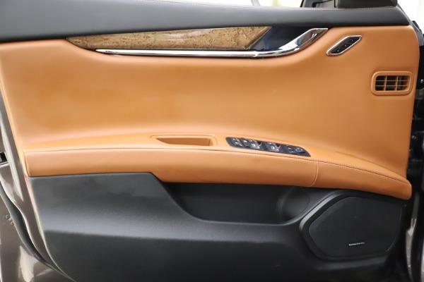 Used 2018 Maserati Quattroporte S Q4 GranLusso for sale Sold at Pagani of Greenwich in Greenwich CT 06830 17