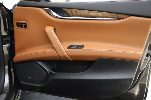 Used 2018 Maserati Quattroporte S Q4 GranLusso for sale Sold at Pagani of Greenwich in Greenwich CT 06830 26