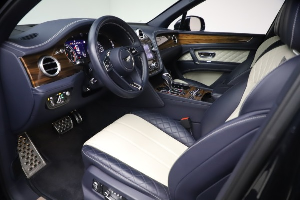 Used 2018 Bentley Bentayga W12 Signature for sale $154,900 at Pagani of Greenwich in Greenwich CT 06830 17