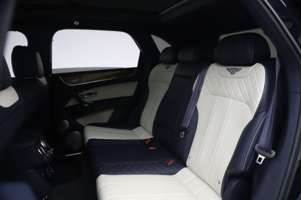 Used 2018 Bentley Bentayga W12 Signature for sale $154,900 at Pagani of Greenwich in Greenwich CT 06830 22