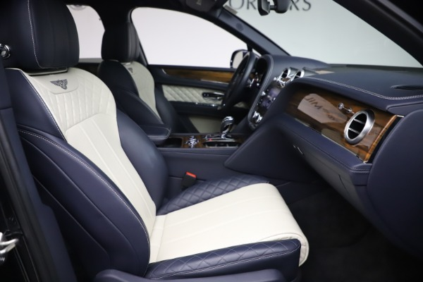 Used 2018 Bentley Bentayga W12 Signature for sale $154,900 at Pagani of Greenwich in Greenwich CT 06830 25