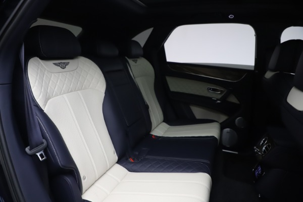 Used 2018 Bentley Bentayga W12 Signature for sale $154,900 at Pagani of Greenwich in Greenwich CT 06830 28