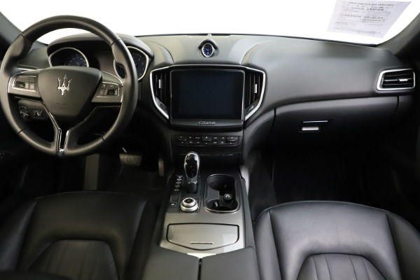 Used 2017 Maserati Ghibli S Q4 for sale $42,900 at Pagani of Greenwich in Greenwich CT 06830 16