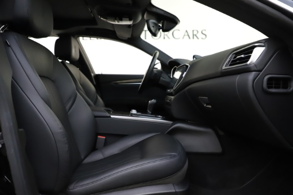 Used 2017 Maserati Ghibli S Q4 for sale $42,900 at Pagani of Greenwich in Greenwich CT 06830 23