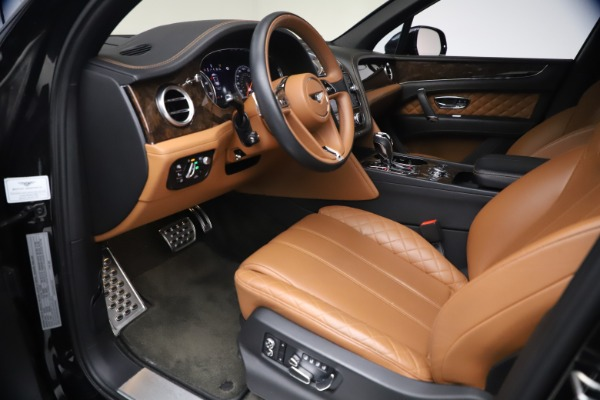 Used 2017 Bentley Bentayga W12 for sale $126,900 at Pagani of Greenwich in Greenwich CT 06830 18