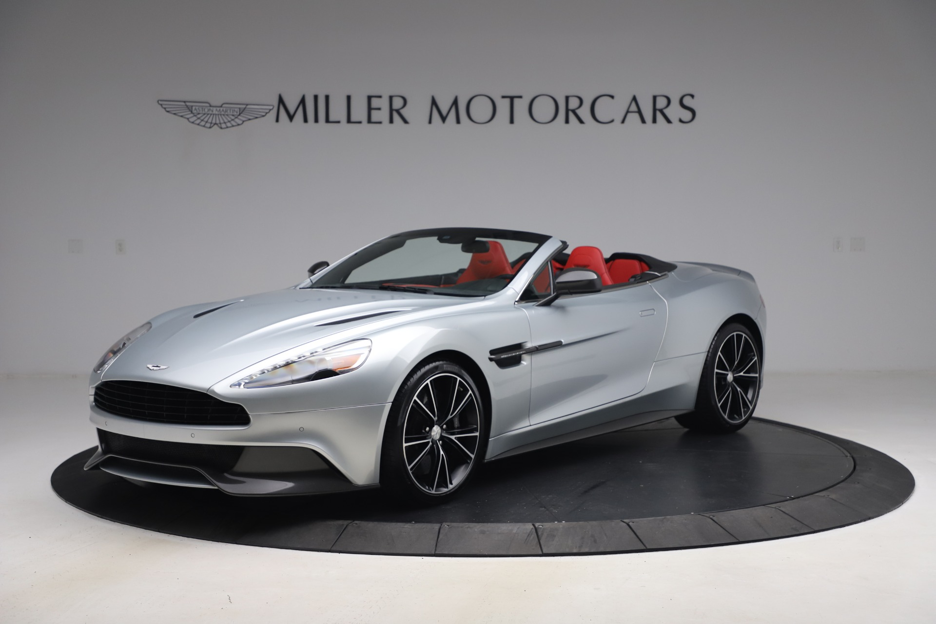 Used 2014 Aston Martin Vanquish Volante for sale $129,900 at Pagani of Greenwich in Greenwich CT 06830 1