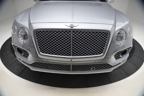 Used 2018 Bentley Bentayga W12 Signature Edition for sale $149,900 at Pagani of Greenwich in Greenwich CT 06830 14