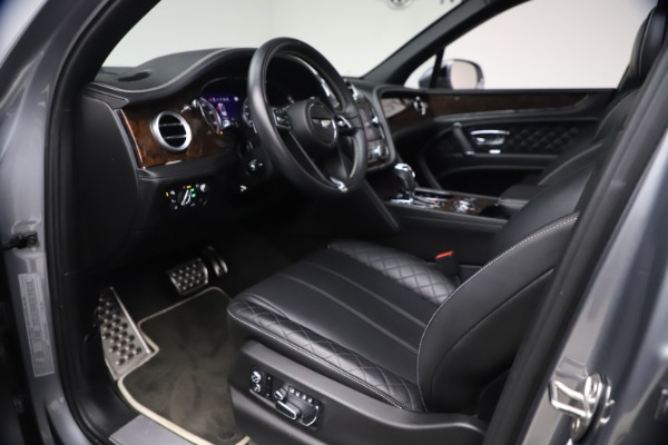 Used 2018 Bentley Bentayga W12 Signature Edition for sale $149,900 at Pagani of Greenwich in Greenwich CT 06830 18