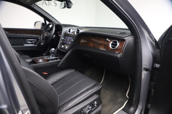 Used 2018 Bentley Bentayga W12 Signature for sale $149,900 at Pagani of Greenwich in Greenwich CT 06830 26