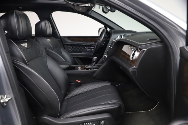 Used 2018 Bentley Bentayga W12 Signature for sale $149,900 at Pagani of Greenwich in Greenwich CT 06830 27